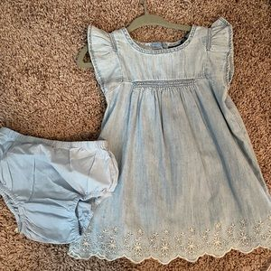 Gorgeous baby girl dress and bloomers Baby Gap